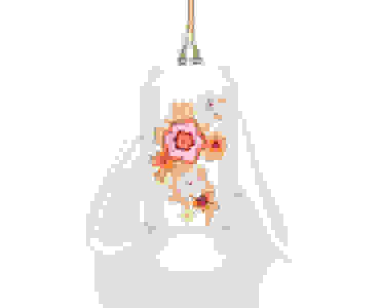 Lieselotte handgefertigte Hängelampe Kaffeekanne mit buntem Blumendekor von Lieselotte Landhaus