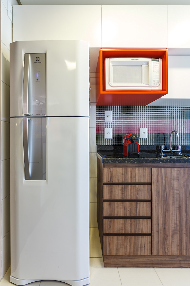 Modern style kitchen by Arquiteto Gustavo Redlich & Associados Modern