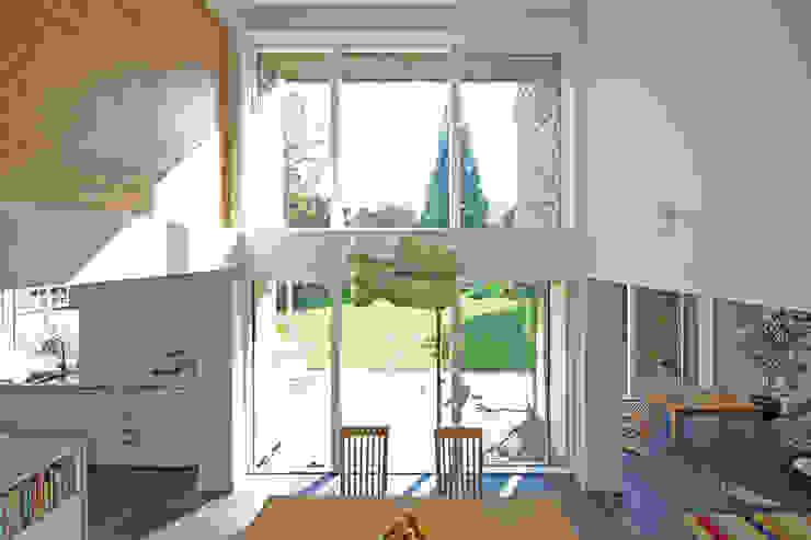 Cedar House Ruang Makan Modern Oleh Designscape Architects Ltd Modern