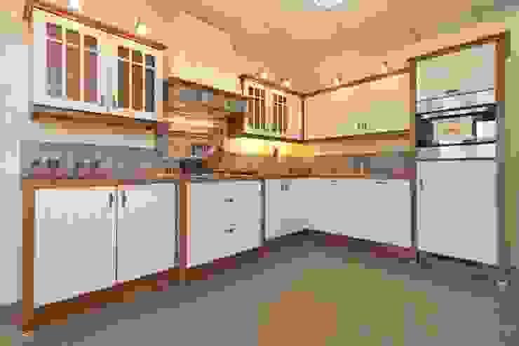 Кухня в стиле модерн от Cocinas Plus Модерн