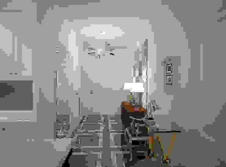 Дизайн квартиры в неоклассическом стиле Коридор, прихожая и лестница в классическом стиле от White & Black Design Studio Классический