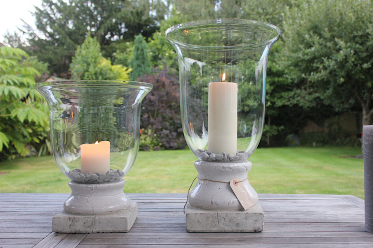 Glass Hurricane or Vase with Cream Stone Base de Greige Clásico