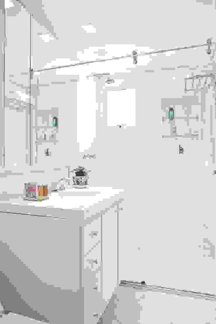 Benheiro Banheiros ecléticos por Pereira Reade Interiores Eclético