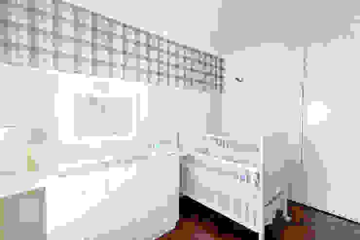 Quarto Bebê 1 Quarto infantil moderno por Pereira Reade Interiores Moderno