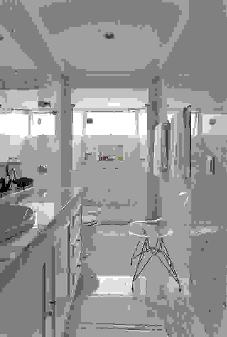 Banheiro Banheiros clássicos por Pereira Reade Interiores Clássico