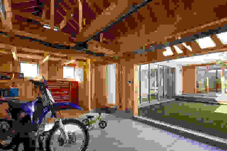 窪江建築設計事務所 Garage/shed