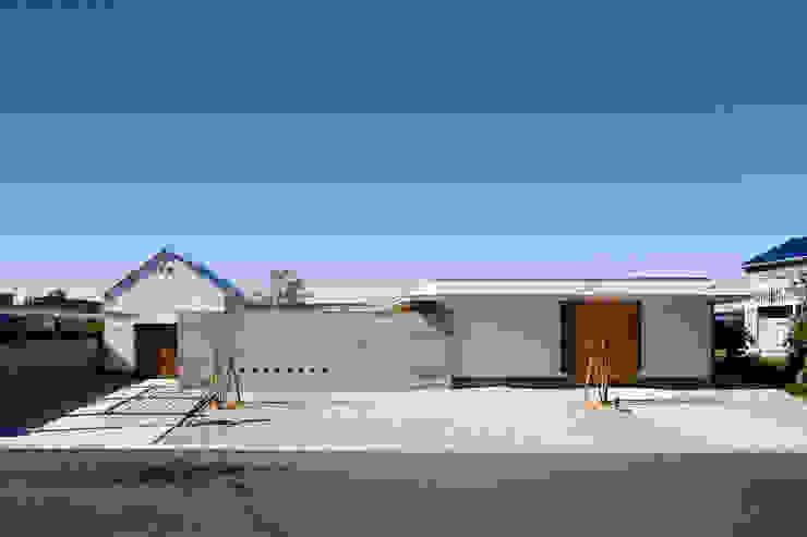窪江建築設計事務所의  주택,