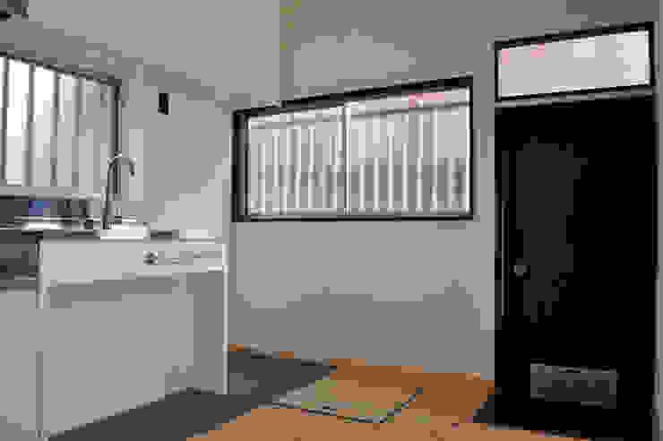 Nhà bếp phong cách chiết trung bởi 結人建築設計事務所 Chiết trung