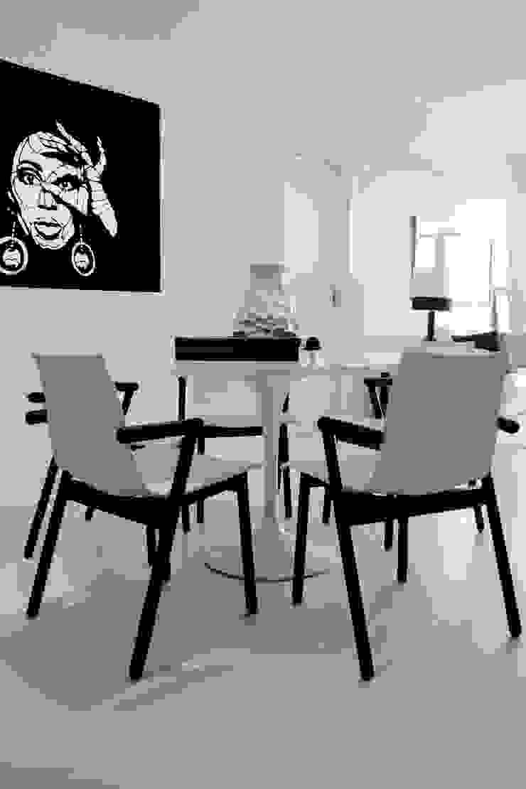 APARTAMENTO À BEIRA-MAR | SEASIDE APARTMENT Salas de jantar modernas por Sandro Clemes Moderno
