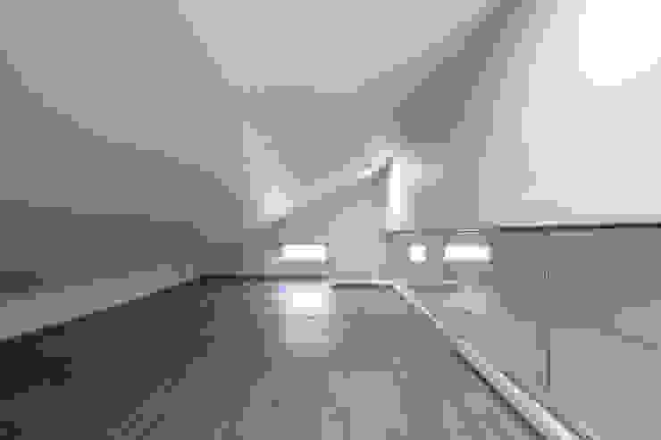 by IDEA5 ARCHITECTS Modern