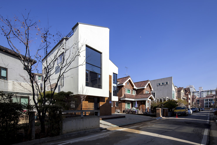 Modern houses by IDEA5 ARCHITECTS Modern
