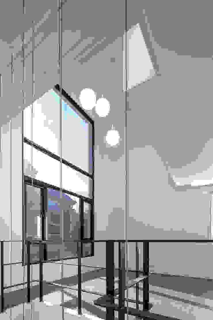 DAEHWADONG MULTIPLE DWELLINGS 모던스타일 거실 by IDEA5 ARCHITECTS 모던