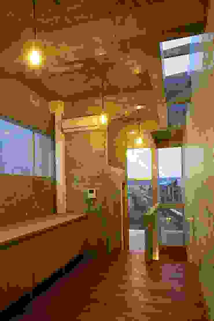 白根博紀建築設計事務所 Comedores de estilo moderno