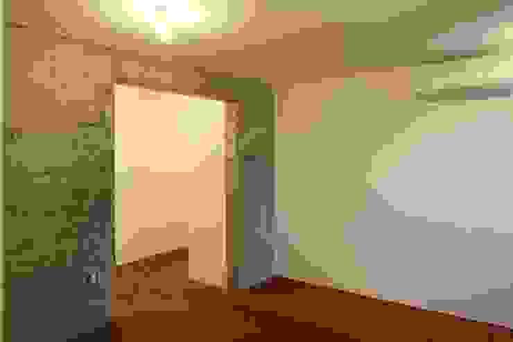 寝室部分 モダンスタイルの寝室 の 白根博紀建築設計事務所 モダン