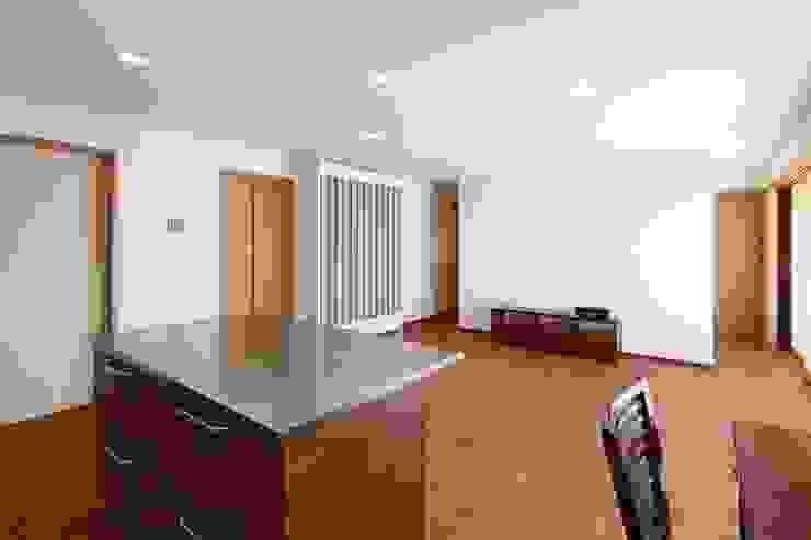 白根博紀建築設計事務所 Modern Living Room