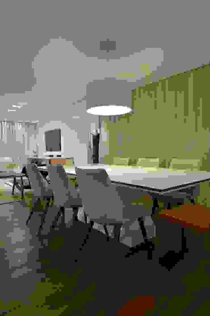 Estar leve e atemporal Salas de jantar modernas por karen feldman arquitetos associados Moderno