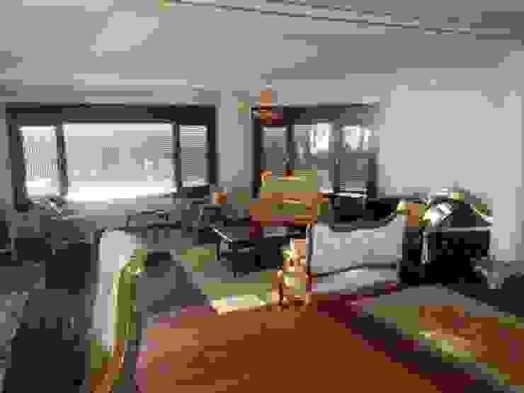 Modern Living Room by Mimark Tasarım Proje Uygulama Ltd. Şti. Modern