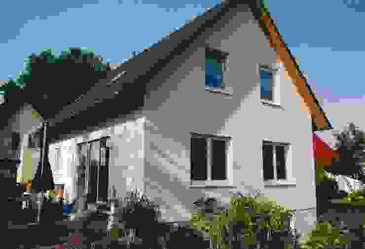 Neubau Einfamilienhaus in Falkensee bei Berlin ENCON Baugesellschaft mbH Klassische Häuser