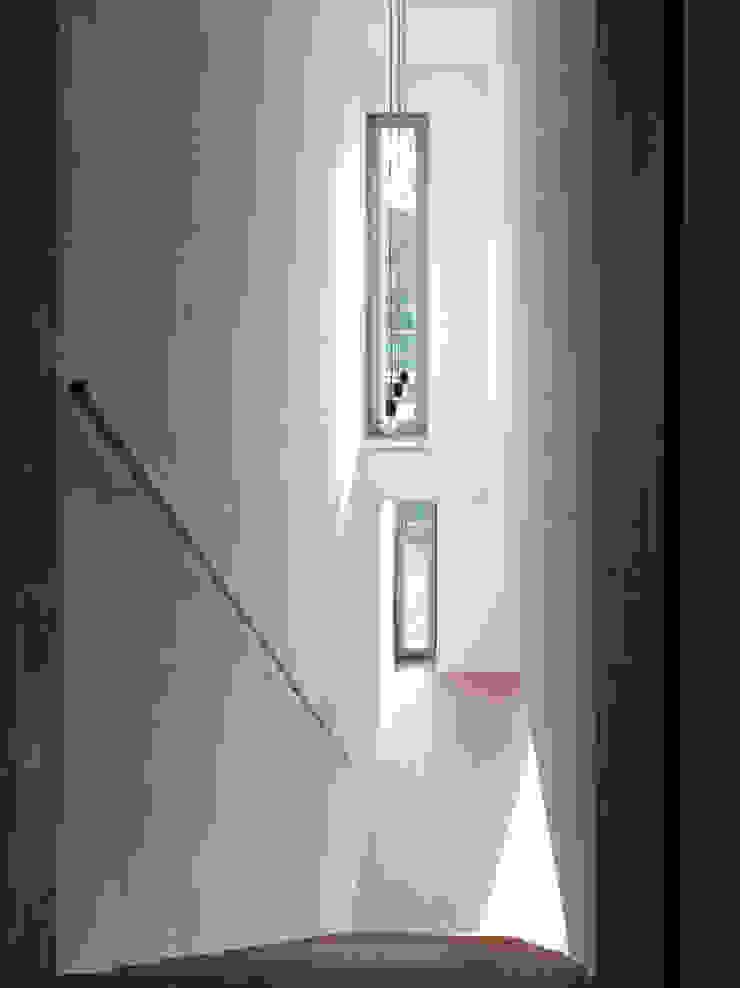 Zicht naar souterrain van Artesk van Royen Architecten