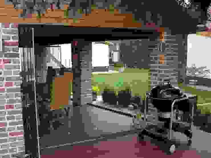 Klasyczny balkon, taras i weranda od SUNFLEX Aluminiumsysteme GmbH Klasyczny