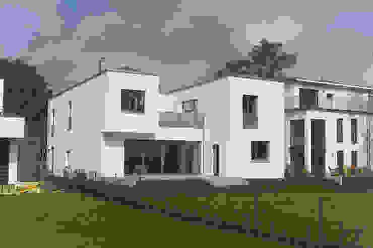 Blick auf die Südwestseite Moderne Häuser von Goderbauer Architects Modern