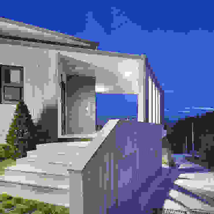 Maisons modernes par SpaceMGT Moderne