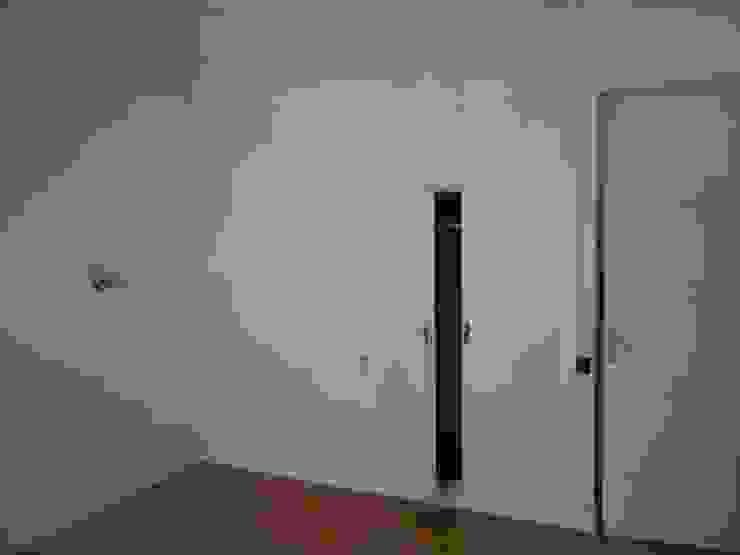 Carpinterías anteriores a la obra de uno de los dormitorios de DISEÑO Y ARQUITECTURA INTERIOR