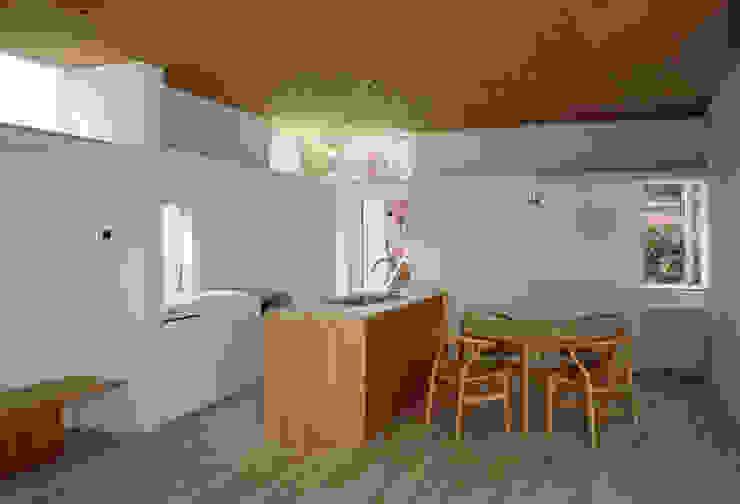 F-WHITE モダンな キッチン の 山本卓郎建築設計事務所 モダン