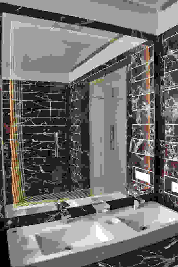 'Lines' Glazz Mirrors: modern  by Alguacil & Perkoff Ltd., Modern Glass