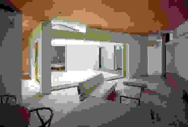 F-WHITE モダンデザインの ダイニング の 山本卓郎建築設計事務所 モダン
