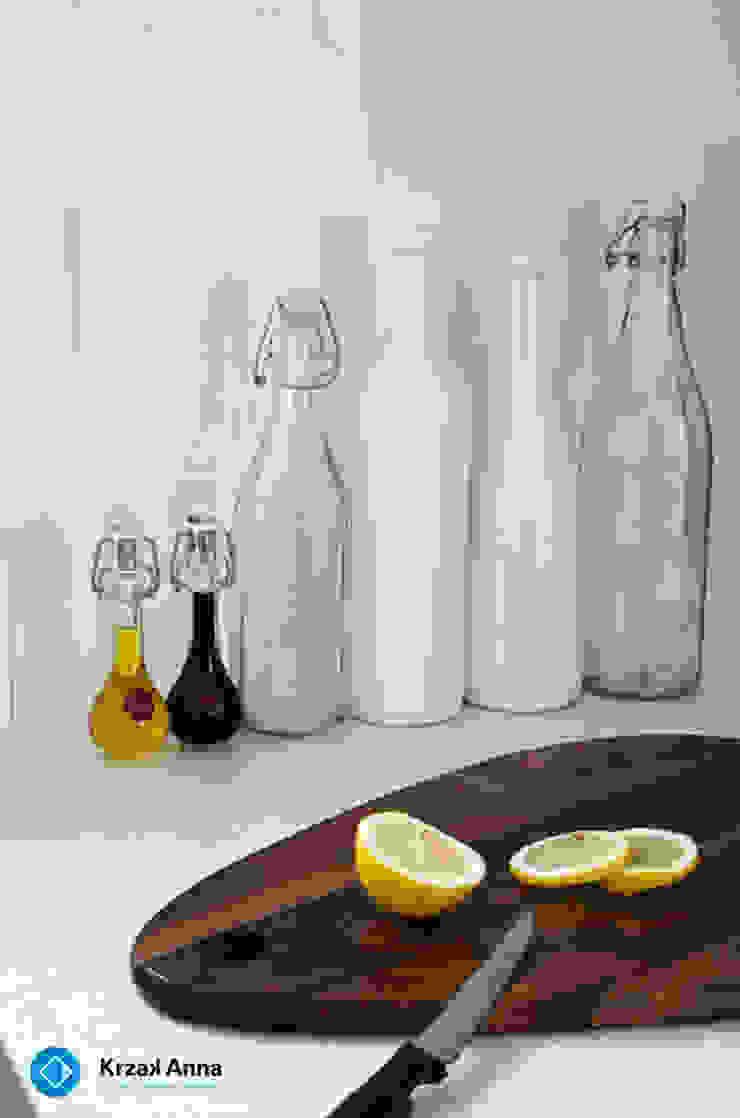 現代廚房設計點子、靈感&圖片 根據 Anna Krzak architektura wnętrz 現代風