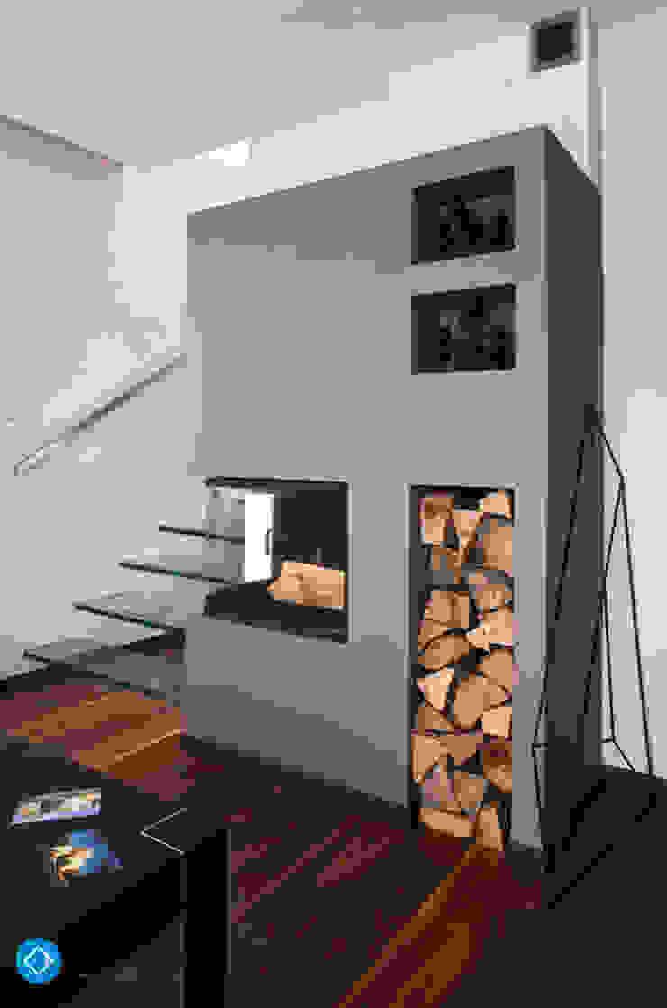 现代客厅設計點子、靈感 & 圖片 根據 Anna Krzak architektura wnętrz 現代風