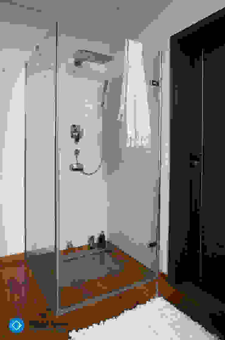 現代浴室設計點子、靈感&圖片 根據 Anna Krzak architektura wnętrz 現代風