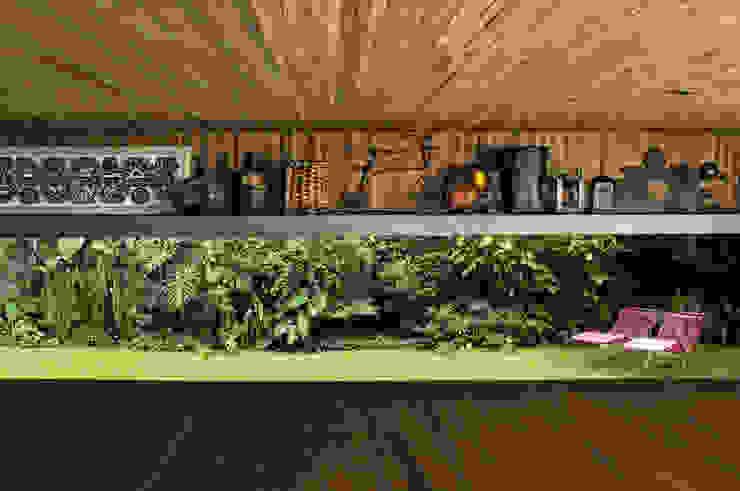 Residência Jacupiranga Jardins tropicais por Rodrigo Oliveira Paisagismo Tropical