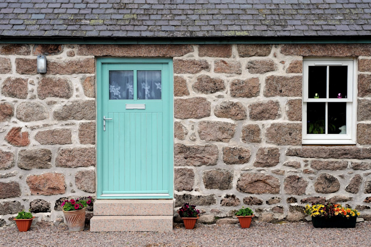 Old School House, Glen Dye, Banchory, Aberdeenshire Country style windows & doors by Roundhouse Architecture Ltd Country