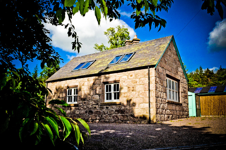 Old School House, Glen Dye, Banchory, Aberdeenshire Roundhouse Architecture Ltd Casas de estilo rural
