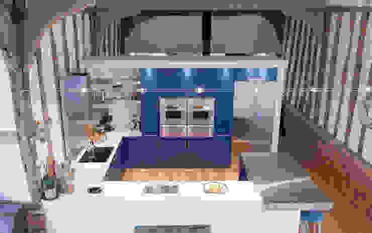 EnMasse Kitchen Showcase Modern kitchen by info4185 Modern