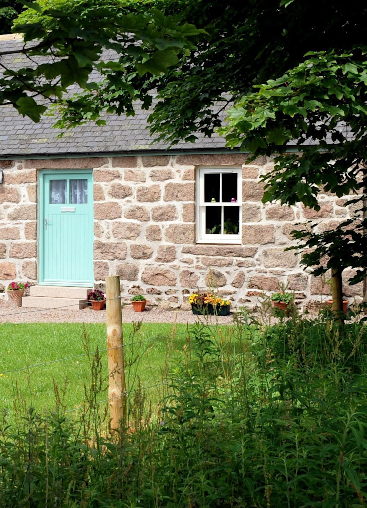 Old School Croft, Glen Dye, Banchory, Aberdeenhire Country style houses by Roundhouse Architecture Ltd Country