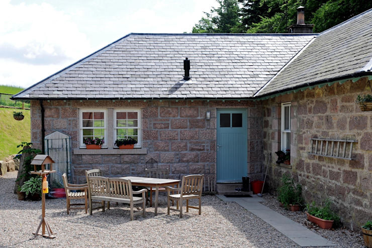 Laundry Cottage, Glen Dye, Banchory, Aberdeenshire: country  by Roundhouse Architecture Ltd, Country