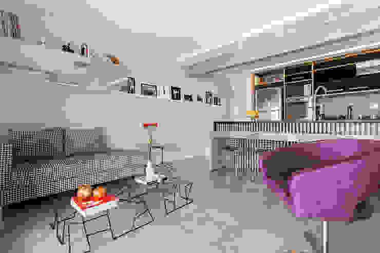 Projeto Saúde Salas de estar modernas por Melina Romano Arquitetura de Interiores Moderno