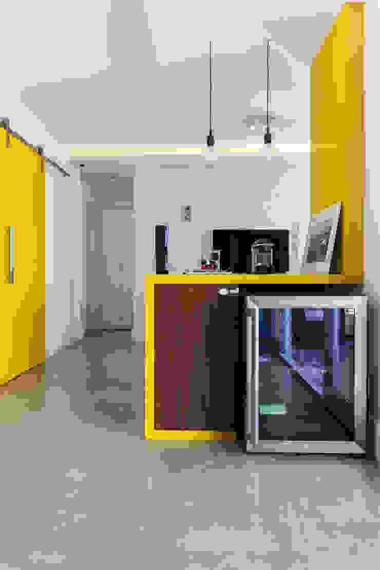 Projeto Saúde Adegas modernas por Melina Romano Arquitetura de Interiores Moderno