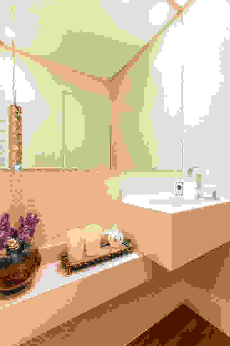 Lavabo Banheiros modernos por Barbara Dundes   ARQ + DESIGN Moderno