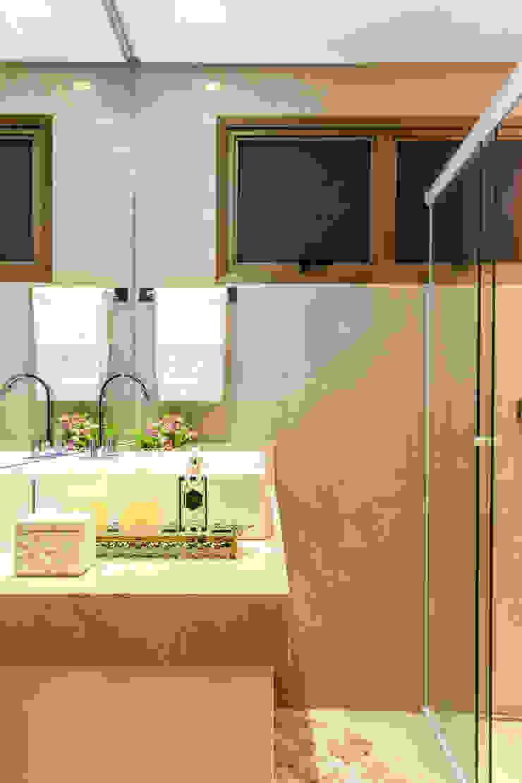 Banheiro suíte master Banheiros clássicos por Barbara Dundes   ARQ + DESIGN Clássico