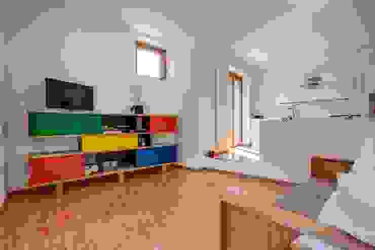 Casa BM Soggiorno moderno di Fluido Arch - Studio di Architettura Moderno