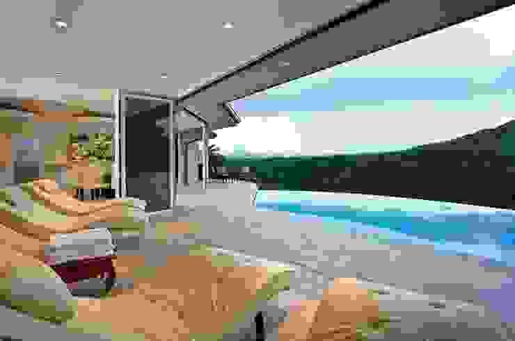 Glas-Faltwand SF 75, Projekt Hawaii SUNFLEX Aluminiumsysteme GmbH Klassischer Balkon, Veranda & Terrasse