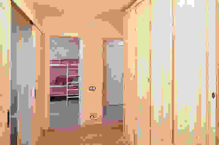 Квартира Коридор, прихожая и лестница в классическом стиле от арт-квартира Классический