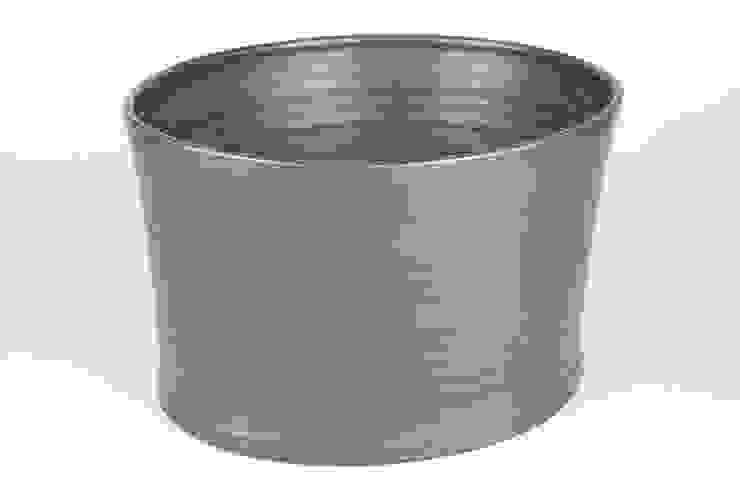 Eccentric Bowl, porcelain, 20cm: minimalist  by Andrew Temple Smith Ceramics, Minimalist
