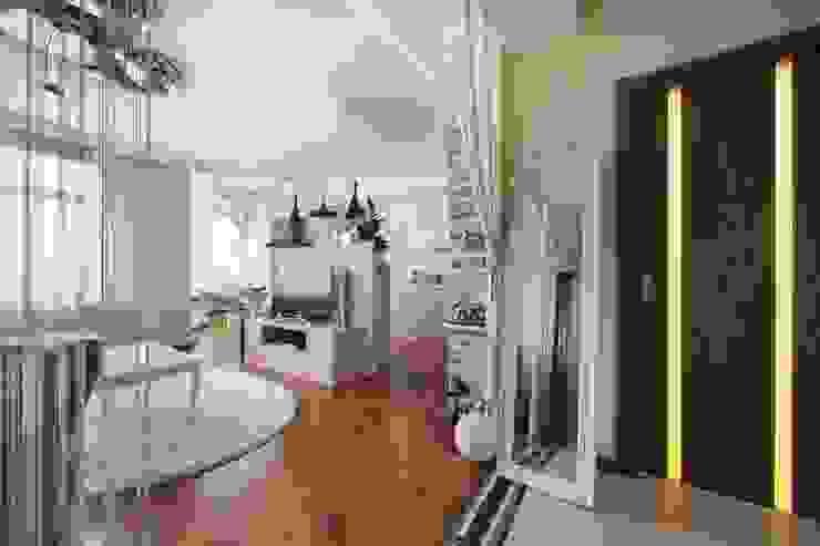 гостиная, холл, стиль контемпорари от LO designer / architect - designer ELENA OSTAPOVA