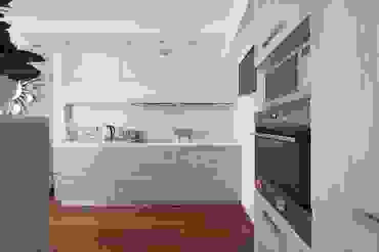 кухня, стиль контемпорари от LO designer / architect - designer ELENA OSTAPOVA