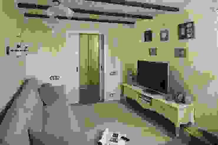 Квартира Гостиная в классическом стиле от арт-квартира Классический
